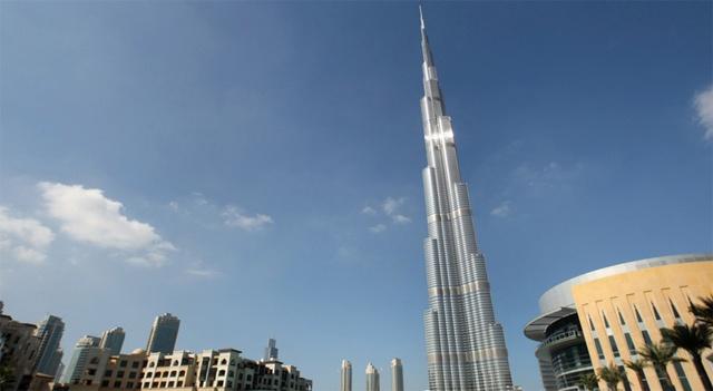 دبي تدشن اليوم أعلى ناطحة سحاب في العالم