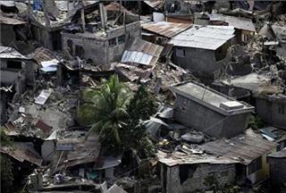 تشافيز: أمريكا تحتل هايتي باسم المساعدات