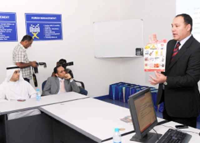 المؤتمر الصحافي لكارفور بمناسبة الذكرى السنوية الثانية      ( تصوير: محمد المخرق)