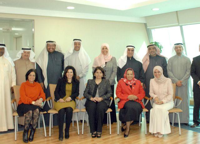 المشاركون في اجتماع اللجنة العليا لرعاية شئون المعاقين