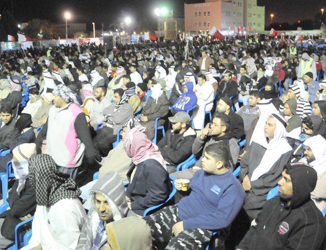حشد جماهيري في اعتصام الجمعيات السياسية المعارضة في اليوم الخامس للاعتصام في المقش