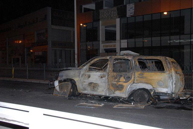 دورية الشرطة احترقت تماماً عقب استهدافها في البلاد القديم