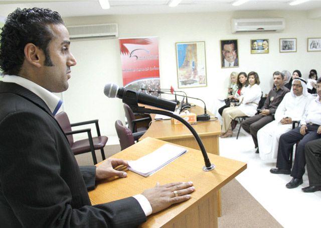 الوقفة التضامنية مع الإعلامي أحمد رضي التي نُظمت بمقر «الوحدوي» في العدلية