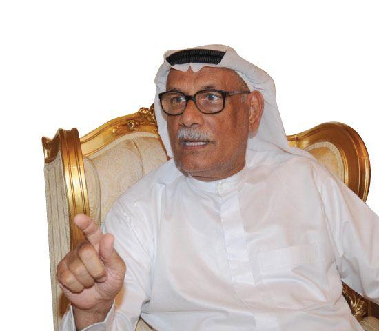 عبدالعزيز السماك متحدثاً إلى «الوسط»