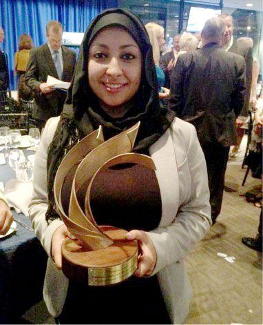 الناشطة مريم الخواجة تتسلم جائزة الحرية بالنيابة عن والدها وأختها المعتقلين