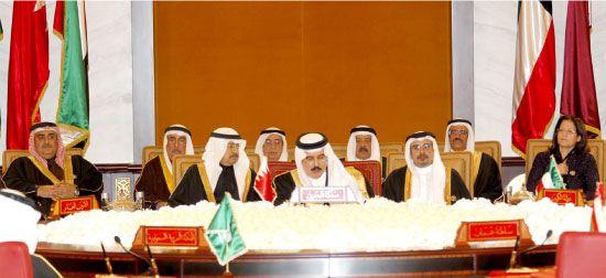 عاهل البلاد مفتتحاً الدورة الثالثة والثلاثين للمجلس الأعلى لمجلس التعاون لدول الخليج العربية أمس