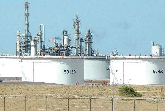 ميزانية سلطنة عمان تعتمد بشكل أساسي على إيرادات النفط
