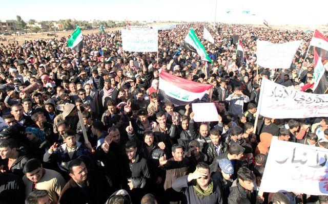 جانب من اعتصام الأنبار الذي دعا المالكي لإنهائه - REUTERS