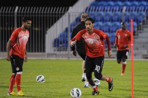 «الأحمر» يرفع التأهب وعلي بن خليفة يحذر اللاعبين من إعلام «خليجي 21»