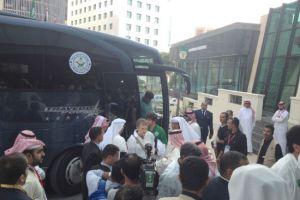 الإعلاميون يحاصرون نجوم «الأخضر» السعودي في كراون ...