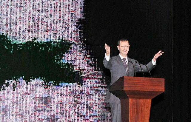 الرئيس السوري متحدثاً أثناء خطابه أمس - AFP