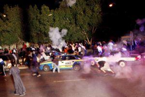 الشرطة الكويتية تفرِّق تظاهرة وتعتقل نائباً سابقاً