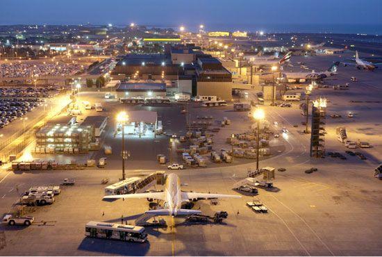 تطور مرافق مطار البحرين الدولي على مدى 80 عاماً