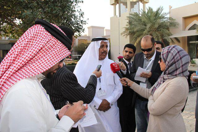 الحويحي في تصريحه للصحافيين قبيل انطلاق الجلسة الثالثة للحوار - تصوير : محمد المخرق