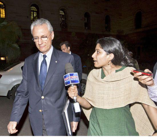 السفير الإيطالي في الهند يتحدث للإعلام - afp
