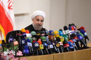 روحاني يتعهد بإنهاء المشاحنات مع البرلمان ...