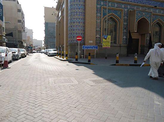 اشتملت أعمال المشروع على إعادة رصف الطرق بالأسفلت ووضع الطابوق
