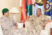 القائد العام لقوة دفاع البحرين يجتمع مع قائد قوات درع الجزيرة المشتركة الجديد