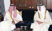 عاهل البلاد يبحث مع الامير مقرن بن عبدالعزيز العلاقات الثنائية والتعاون الخليجي المشترك