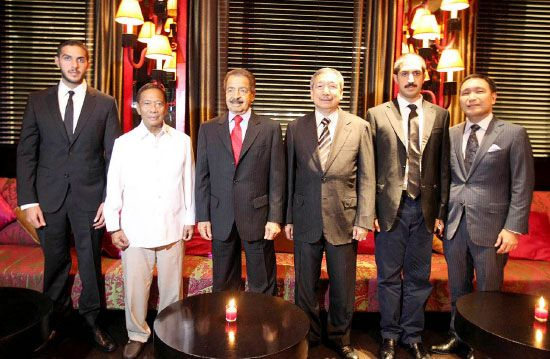 رئيس الوزراء خلال حضوره حفل العشاء الذي أقامه على شرفه نائب رئيس الفلبين