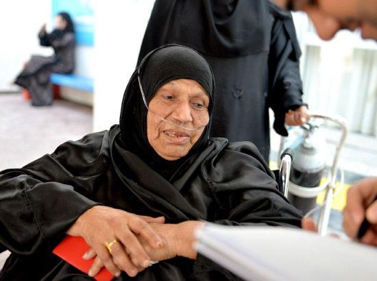 النساء تواجدن بكثافة في مركز الاقتراع بالدائرة الثالثة بالمحافظة الجنوبية - تصوير أحمد آل حيدر