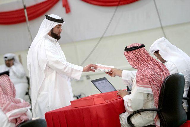 انتهى التصويت في مركز الاقتراع والفرز بالدائرة الأولى في معهد الشيخ خليفة بن سلمان للتكنولوجيا بانسيابية وسلاسة - تصوير : باقر الكامل