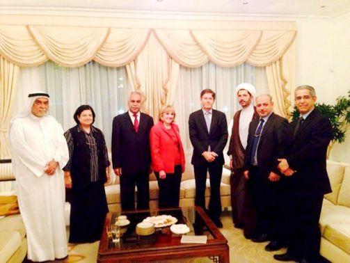 المعارضة بحثت مع الوفد<br />الأميركي الحاجة إلى حلٍّ<br />ينقل البحرين لواقع<br />ديمقراطي يكون فيه الشعب<br />مصدر السلطات