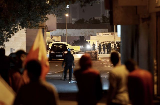 مصادمات شهدتها البلاد القديم مساء أمس بعد اعلان إعتقال سلمان - AFP