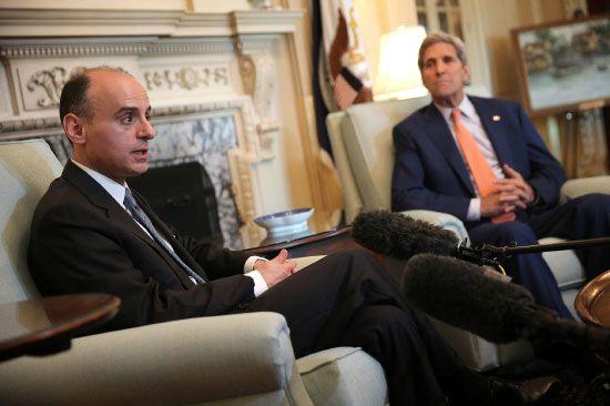 الجبير متحدثاً للصحافيين أثناء لقائه بنظيره الأميركي في واشنطن - afp