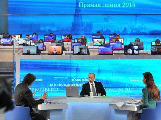 بوتين يجيب على أسئلة المواطنين خلال البرنامج السنوي