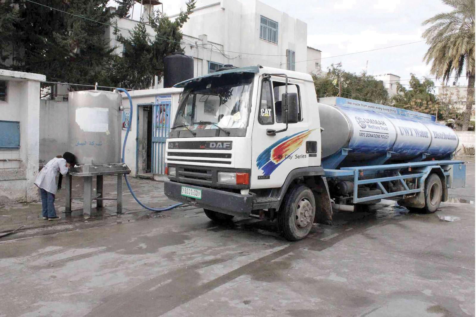 غزة، تواجه أزمة مياه متفاقمة