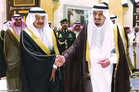 خادم الحرمين ورئيس وزراء<br />البحرين