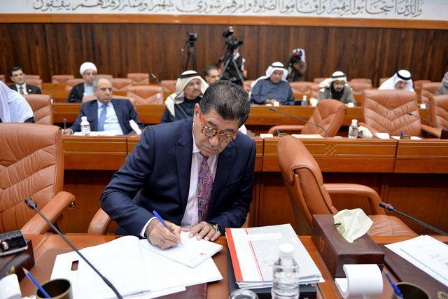 جمال فخرو: تساءل عن السبب وراء رفض الإسكان جعل الأمر بيد القضاء - تصوير : أحمد آل حبدر