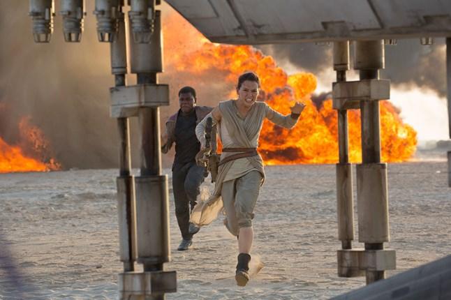 ديزني تؤجل طرح الجزء التالي من  حرب النجوم  إلى ديسمبر 2017