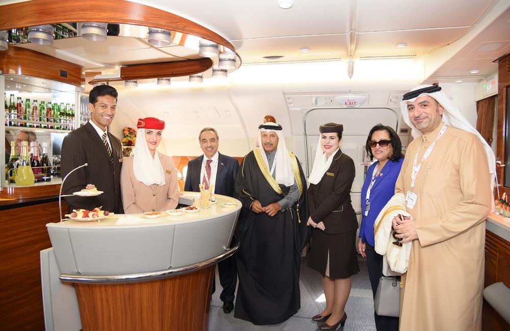 انفوغرافيك لطائرة الإمارات A380