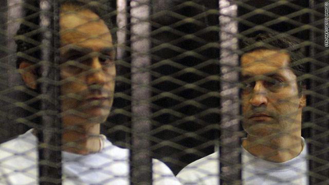 النيابة المصرية تطعن في قرار الإفراج عن نجلي مبارك