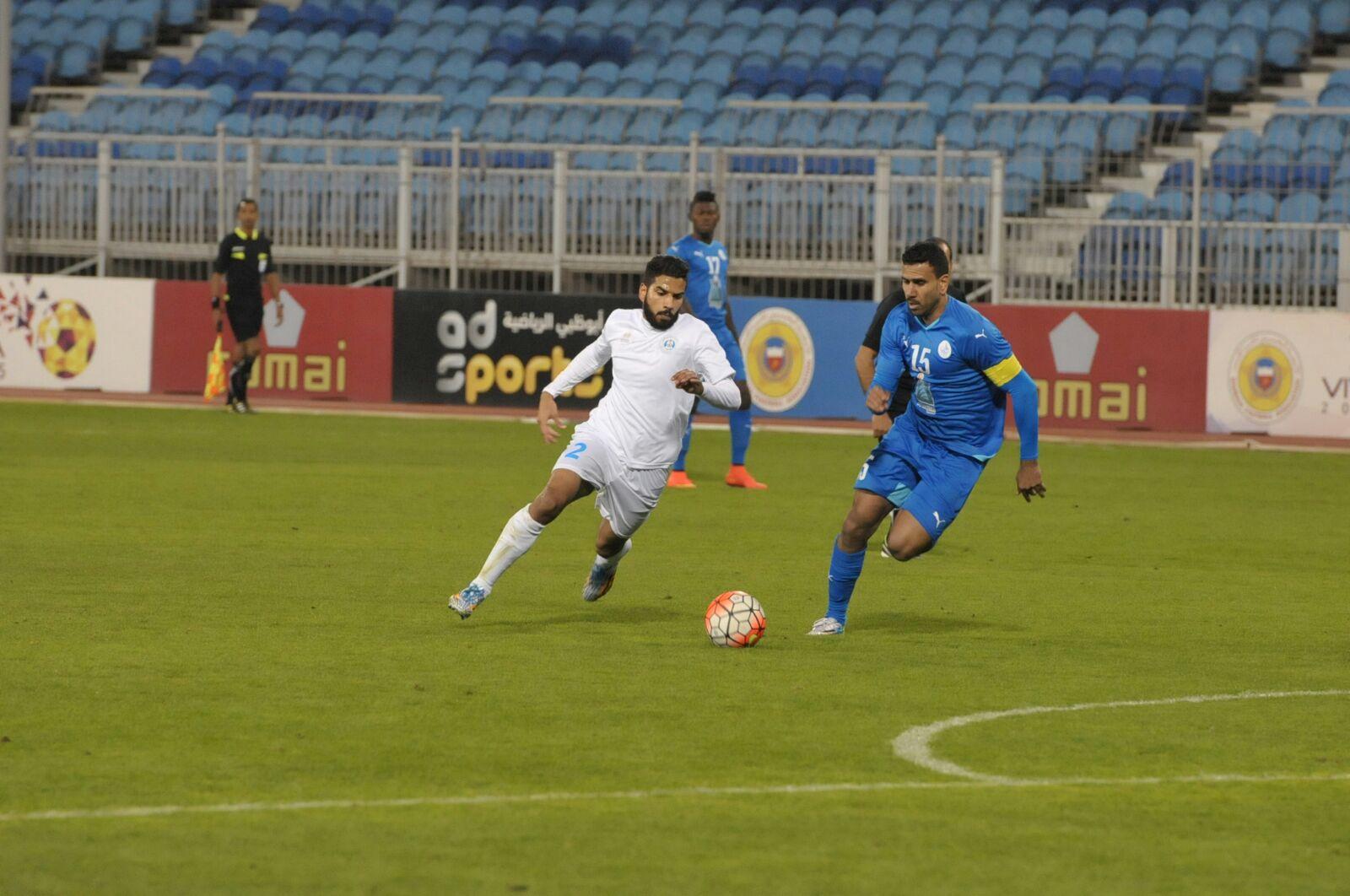 حصار من الحداوي إبراهيم العبيدلي للاعب الرفاع سيد ضياء سعيد