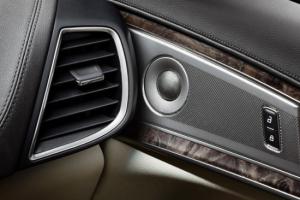 «لينكون» تضيف نظاماً صوتياً عالي الجودة إلى مركباتها