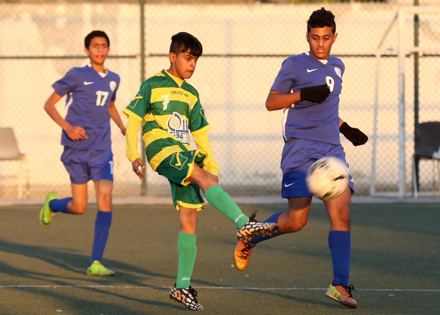المالكية تغلب على الحد بثلاثة أهداف لهدف وواصل الصدارة مع المحرق (تصوير - جعفر حسن)