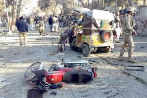 مقتل تسعة أشخاص في تفجير انتحاري جنوب غرب باكستان