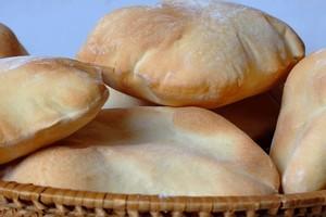 البحرين تصدِّر خبزاً محلياً بقيمة دينار واحد إلى جزر برمودا في 2015