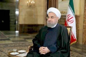 روحاني يدعو إلى المساواة بين الجنسين في عالم السياسة الإيرانية