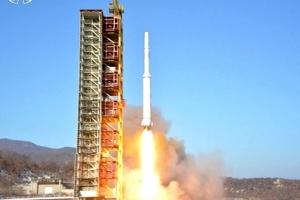 كوريا الشمالية تثير مجدداً غضب الأسرة الدولية بإطلاقها صاروخاً