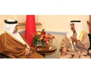 نائب الملك ورئيس الوزراء يُنوِّهان بزيارات العاهل لمختلف دول العالم