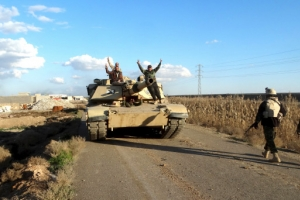 الجيش العراقي يحرر مناطق بالرمادي ويفتح الطريق الرابط ببغداد