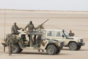 تونس تعزز وجودها العسكري والأمني على الحدود مع ليبيا