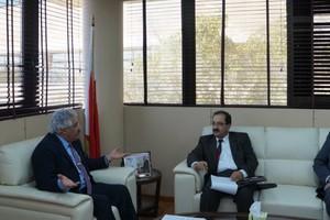 الأمين العام لمجلس التعليم العالي يلتقي المسئولين في كلية طلال أبو غزالة الجامعية للأعمال
