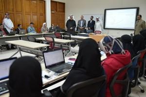 وزير التربية والتعليم يقوم بزيارة إلى ورشة الاستراتيجية ...