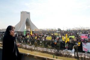 الرئيس الإيراني يدعو للتكاتف السياسي قبل انتخابات مهمة