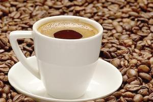 فنجانان من القهوة يومياً لتحسين أدائك الرياضي